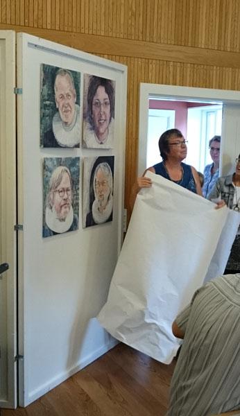 Portrætter af de seneste 4 præster bliver afsløret.